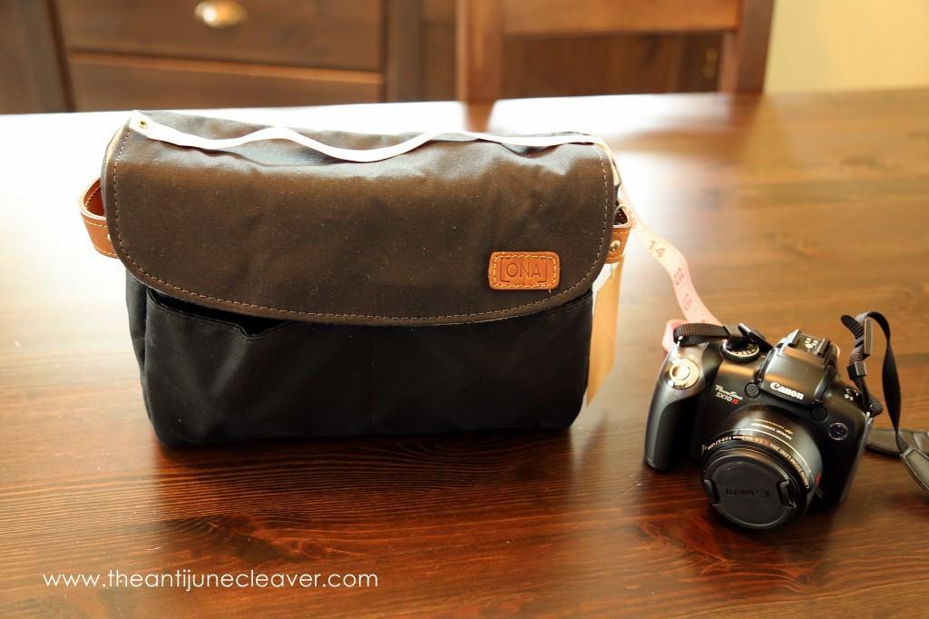 No Sew DIY DSLR Camera Bag Tutorial