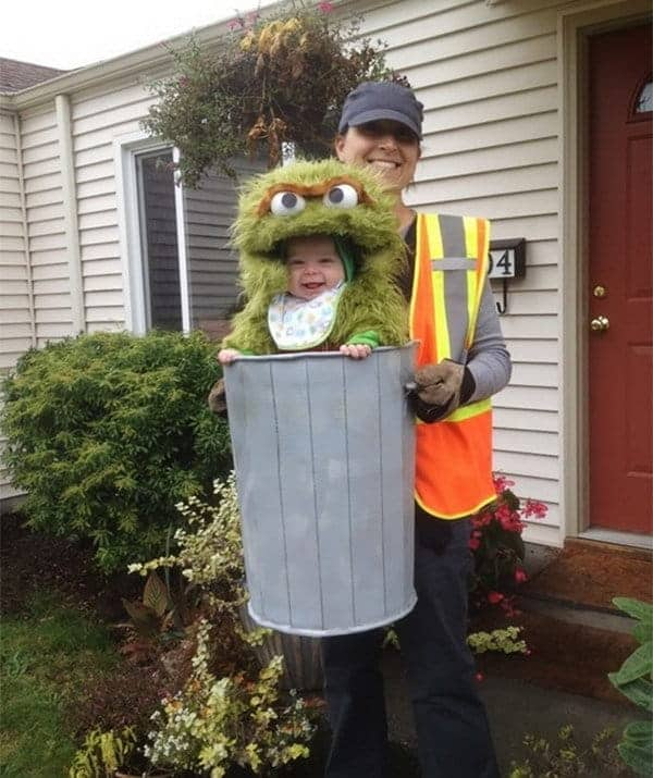 Creative Babywearing Halloween Costumes - Oscar the Grouch