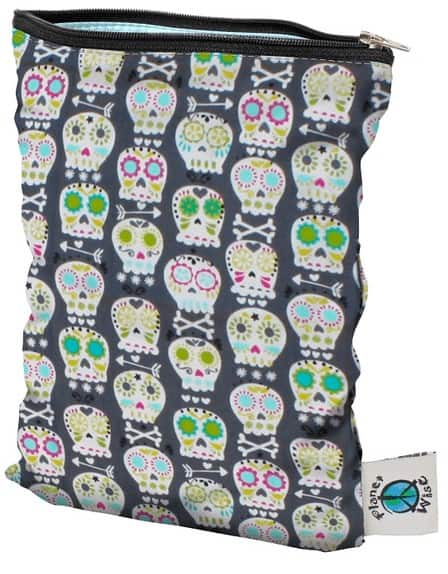 Products to Help Make Using Mama Cloth Even Easier - Planet Wise small wet bag #mamacloth