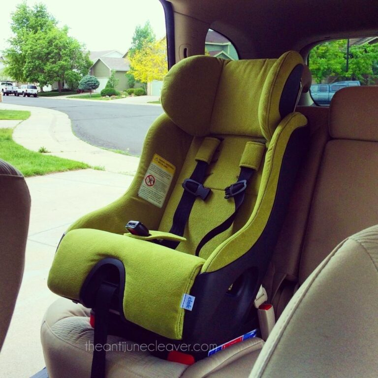 Clek Foonf: The Mother of all Car Seats (Review)