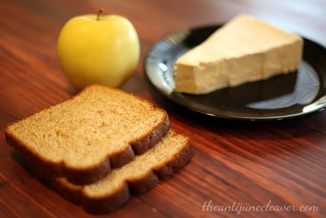 Brie and Golden Apple Panini with Roman Meal bread #MC #sponsored