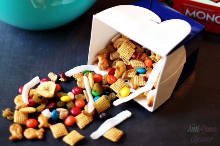 21 Yummy Family Game Night Snack Ideas