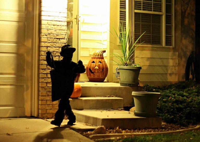 Easy DIY Shadow Halloween Costume for Boys