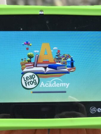 Reading, writing, and learning fun with LeapFrog Academy from LeapFrog! Read to find out more #education #learning #leapfrog #homeschool #reading #math #kids