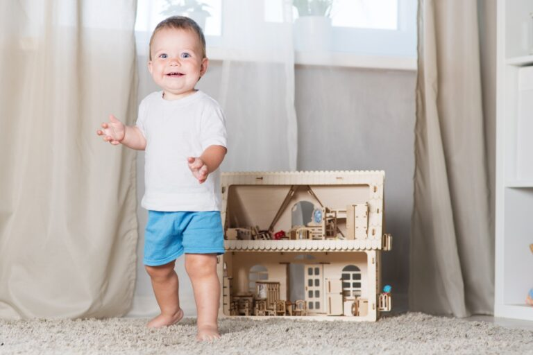 7 Awesome Toddler Dollhouses for Boys