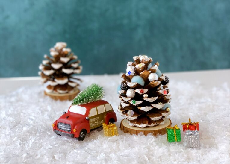 4 Magical Christmas Crafts for Little Kids