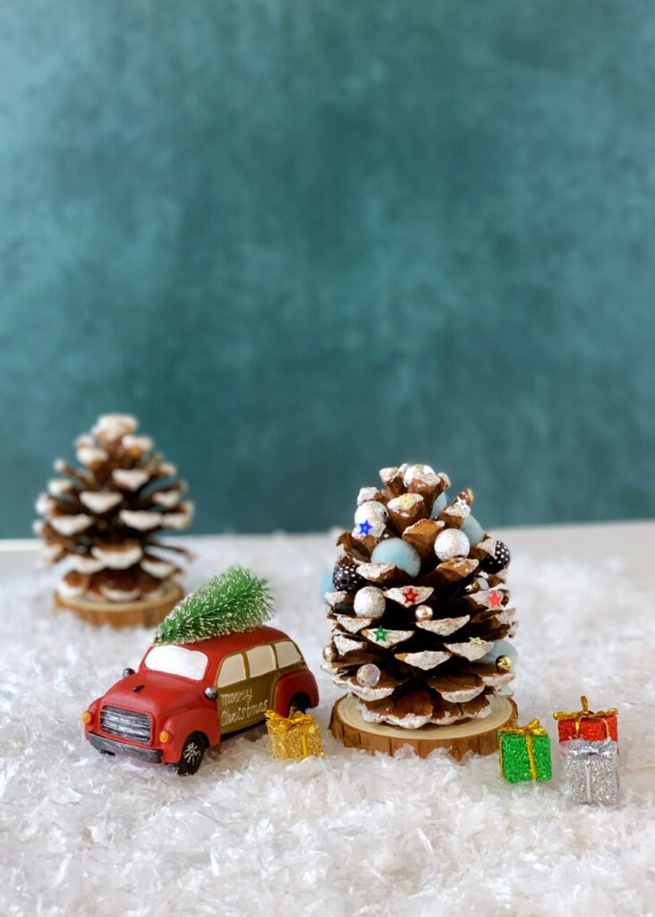 Pine cone Christmas tree craft for little kids