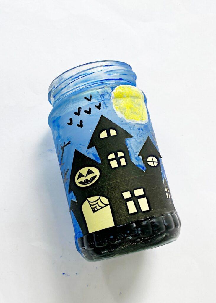 How to make a Halloween mason jar lantern